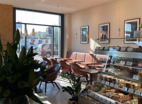 Café an der East Side Gallery Berlin